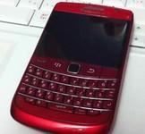 商务范也玩时尚 红色黑莓9780靓照曝光